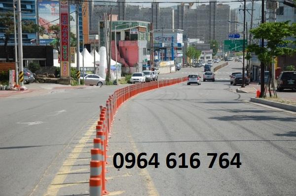 Cọc tiêu giao thông