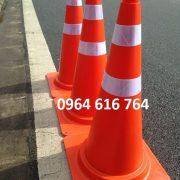 Cọc tiêu giao thông chóp nón XC006 – 70cm